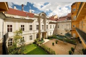 Mamaison Suite Hotel Pachtuv Palace